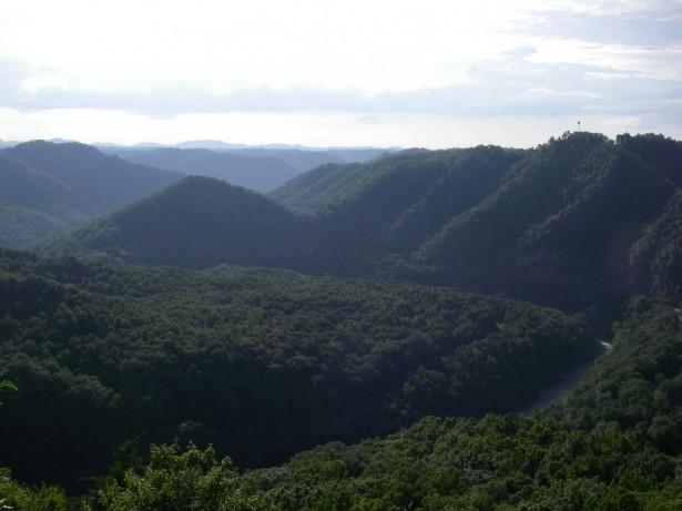 Вид на каньон с обзорной площадки парка Breaks