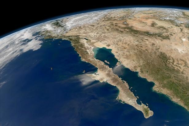 Море Кортеса отделяет Калифорнийский полуостров от Мексики