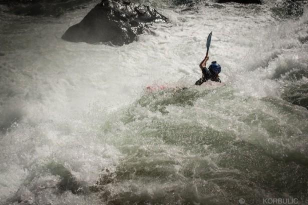 Контроль угла полета лодки после среза водопада